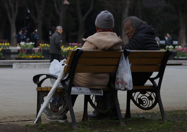 あらゆる世代に格差が生じている(写真はイメージ)/(C)日刊ゲンダイ