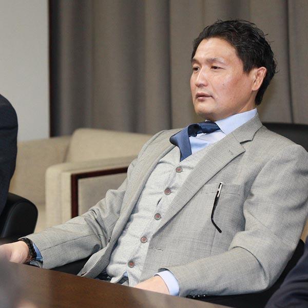 2階級降格で役員待遇委員に(C)日刊ゲンダイ