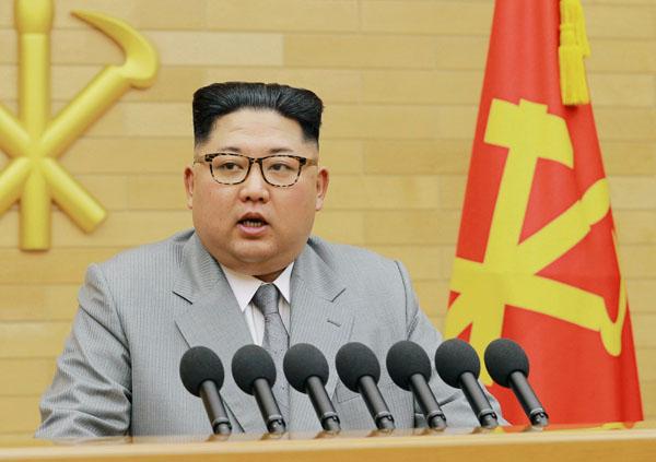 金正恩サマサマ(朝鮮中央通信撮影・共同)