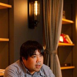 アソビシステム社長・中川悠介氏はスマホ2台が手放せず