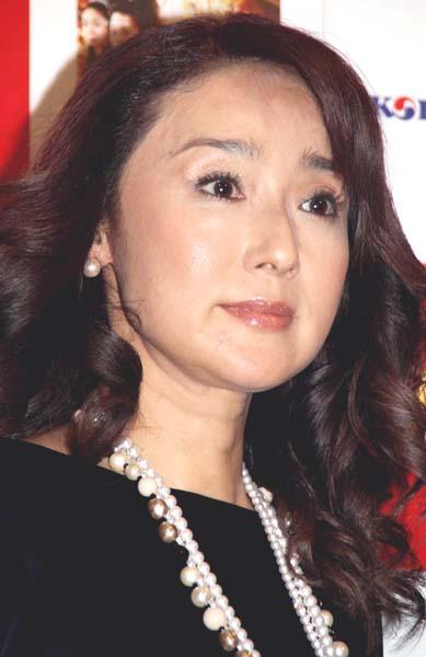 結婚を報告した浅野ゆう子(C)日刊ゲンダイ