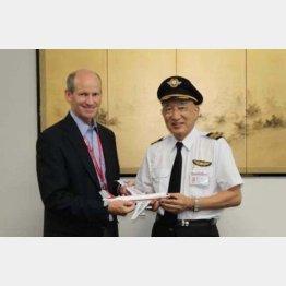 ボーイング・ジャパンのマイケル・デントン社長と(2011年9月)/(提供写真)