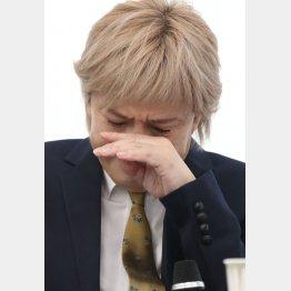会見では妻・KEIKOの様子についても明かした(C)日刊ゲンダイ