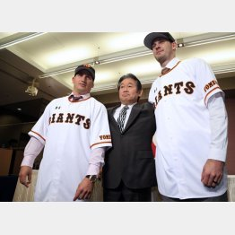 (左から)ゲレーロ、鹿取GM、ヤングマン(C)日刊ゲンダイ