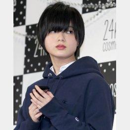 欅坂46の平手友梨奈(C)日刊ゲンダイ