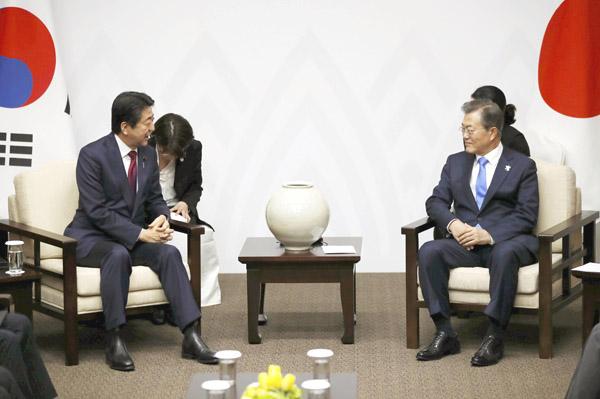 日韓首脳会談(C)共同通信社