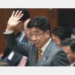 過労死法案の旗手(加藤厚労相)(C)日刊ゲンダイ