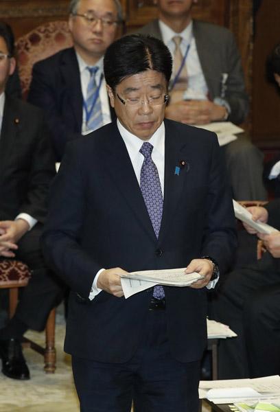 加藤厚労相もシドロモドロ(C)日刊ゲンダイ