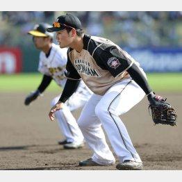 阪神との練習試合で八回から一塁の守備に就いた清宮(C)共同通信社