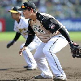 阪神との練習試合で八回から一塁の守備に就いた清宮