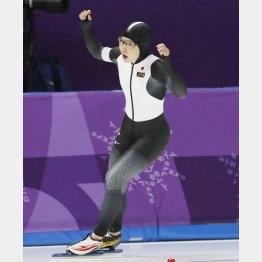 500メートルは五輪記録で金メダル(C)共同通信社