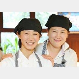 ピノサリーチェの栁さん(左)と赤松さん/(C)日刊ゲンダイ