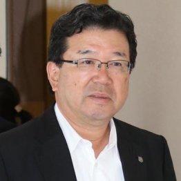 日本ハム<上>空港で破廉恥…部下のセクハラ発言で社長辞任