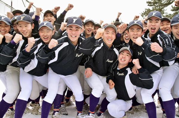 21世紀枠で初出場の由利工の野球部員(C)共同通信社