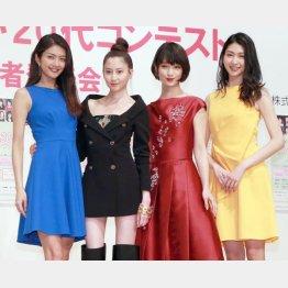 (左から)田中道子、河北麻友子、剛力彩芽、是永瞳(C)日刊ゲンダイ