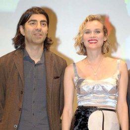 主演女優のダイアン・クルーガー(右)とアキン監督。クルーガーはこの役で昨年カンヌ国際映画祭主演女優賞を受賞した/(C)日刊ゲンダイ