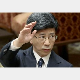 """財務省に""""英雄像""""が立つ勢い(C)日刊ゲンダイ"""