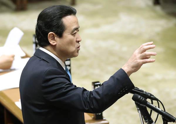 証人喚問で質問する江田憲司衆院議員(C)日刊ゲンダイ