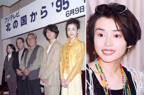 「'95秘密」完成披露会見(95年5月)、右は中嶋朋子/(C)共同通信社