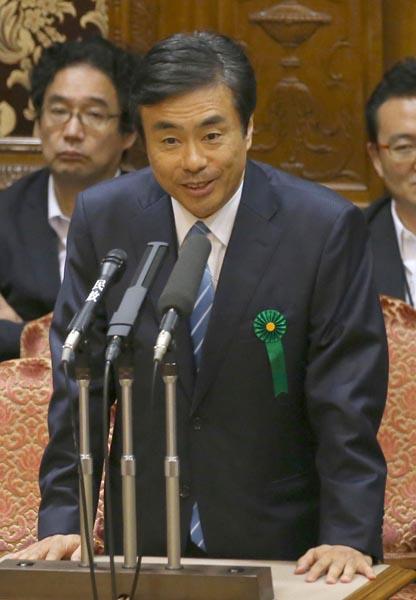 渦中の柳瀬経産審議官も同行(C)日刊ゲンダイ