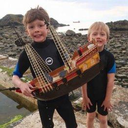 スコットランド発 オモチャの海賊船が1年かけて大西洋横断
