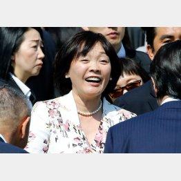 「桜を見る会」出席の一方で…/(C)日刊ゲンダイ