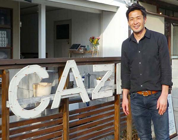 2月から妻がオーナーのカフェで働いている(撮影・元川悦子)