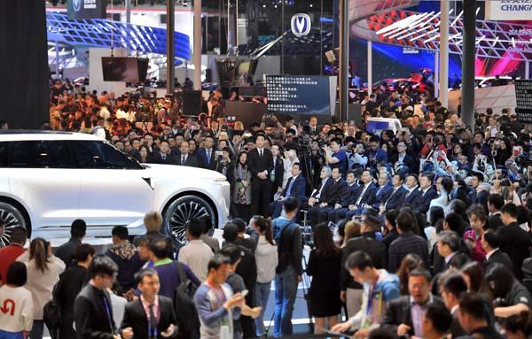 開幕した北京国際モーターショー(C)共同通信社