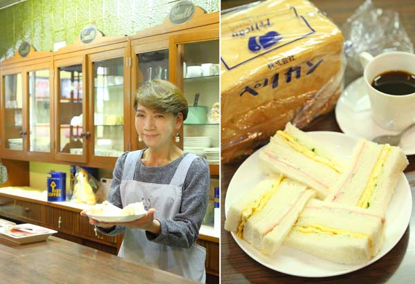 スメルの西出栄子さん(左)と濃厚サンドイッチ(C)日刊ゲンダイ