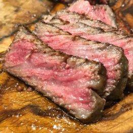 お酒の後は…沖縄の「締めステーキ」文化を支える石垣牛