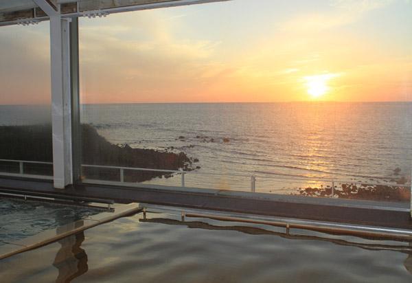 展望温泉「眺海の湯」は1回(90分)350円(提供写真)