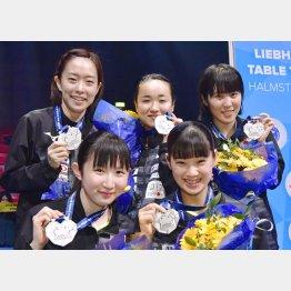 卓球女子は3大会連続の銀メダルだったが(C)共同通信社