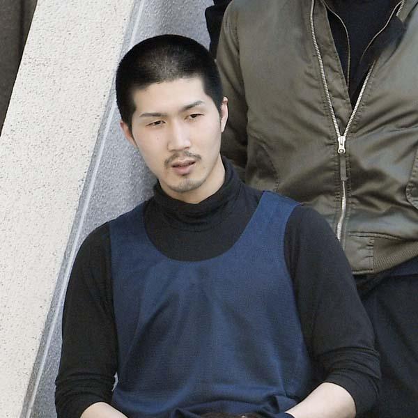 平尾龍麿容疑者も眉を整えていた?(C)共同通信社