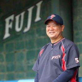 教え子が揃って月間MVP 富士大野球部監督の強化指導法とは