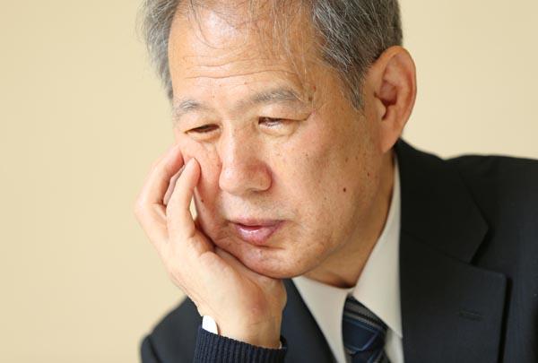 「今の政権には反省がない」と鈴木邦男氏(C)日刊ゲンダイ