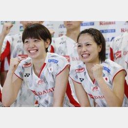 広田彩花(左)と福島由紀(C)日刊ゲンダイ