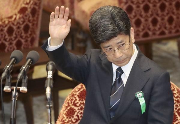証人喚問にのぞむ佐川宣寿前国税庁長(C)日刊ゲンダイ