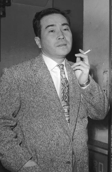 俳優のイメージが強かった森繁久弥(62年撮影)/(C)共同通信社