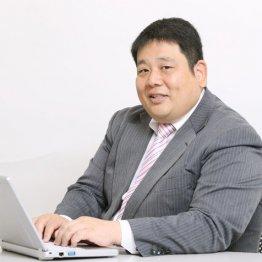 須田鷹雄さん<5>券売機の裏で副業のラジオ番組に電話出演
