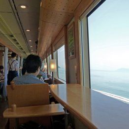 九州西海岸のレストラン列車「おれんじ食堂」の人気の秘密