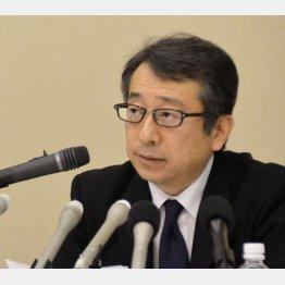記者会見で謝罪したスルガ銀行の米山明広社長(C)共同通信社