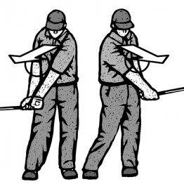 「ウエッジは体で振る」 右肘を体につけたまま胸は後方に