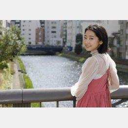 「リクナビ」「グリコポッキー」「NOVA」のCMに出演/(C)日刊ゲンダイ