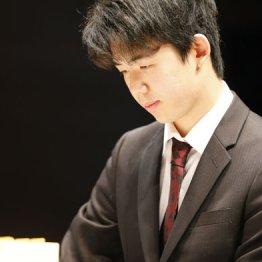 早く「藤井○段」と呼ばれない棋士になって欲しい