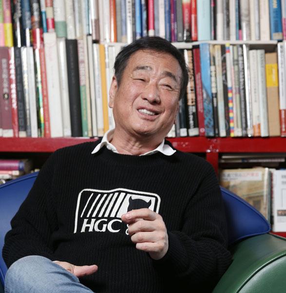 「日本人の給料は驚くほど安いんだ」/(C)日刊ゲンダイ