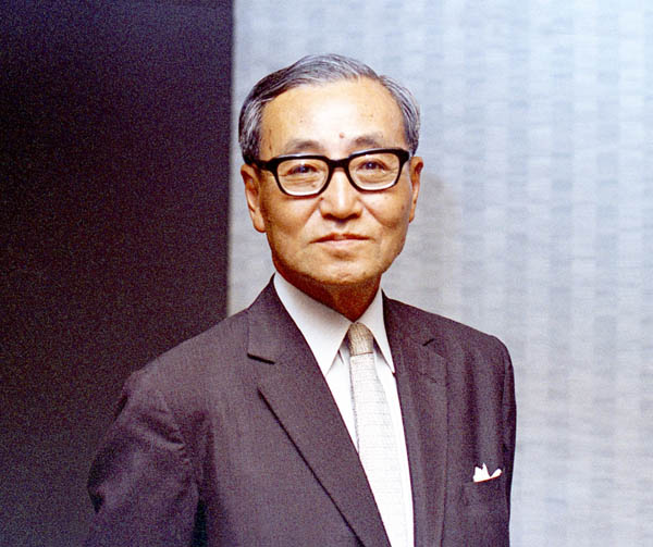 数多くの業界再編を手掛けた故・中山素平氏(C)共同通信社