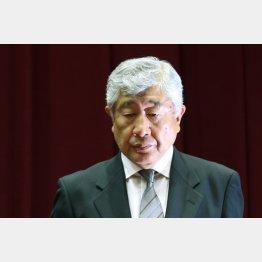 厳しい批判にさらされる内田前監督(C)日刊ゲンダイ