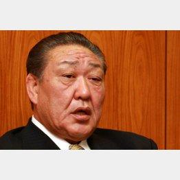コワモテでも有名な田中理事長(C)日刊ゲンダイ