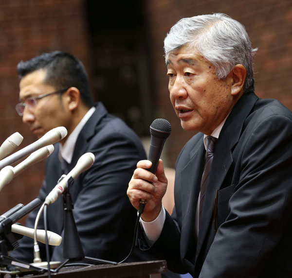 関東学生連盟から「除名」された内田前監督(右)と井上コーチ(C)日刊ゲンダイ