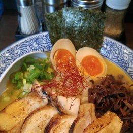 【濃厚鶏そば真白】トロットロの白湯スープが格別の人気店
